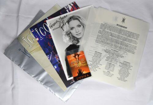 ICON Lot Madonna Fan Club Membership Kit Autograph Photo Magazine Folder Badge