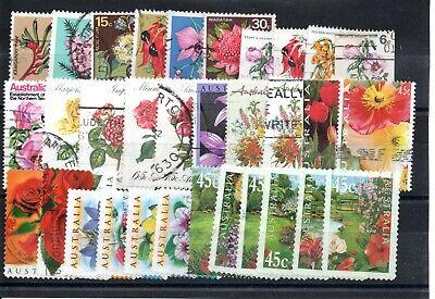 Australie lot de 30 timbres sur les Fleurs, départ à 1 euro.