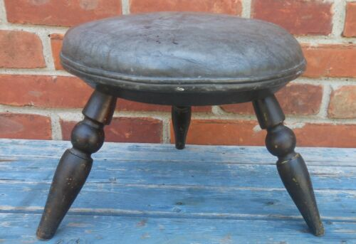 Wonderful 18th or Early 19th Cen. Windsor Footstool, Great Surface, Nice Splay