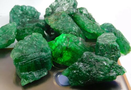 65.00Ct + Translucent Natural Colombian Emerald Green Loose Mineral Rough lot 6