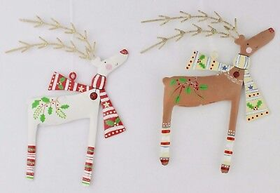 GISELA GRAHAM CHRISTMAS ANIMAL MAGIC PAINTED TIN REINDEER WITH SCARF - Reindeer Decoration