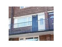 Two bedroom second floor maisonette with modern bathroom and kitchen £495 pcm DSS WELCOME
