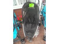 Black pushchair/pram
