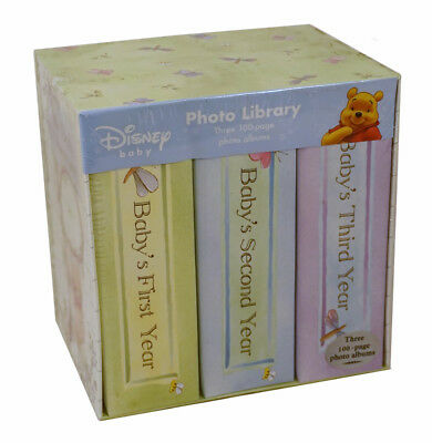 Winnie the Pooh Photo Library Set: (First 3 Years) Three 100-page Baby Albums ()