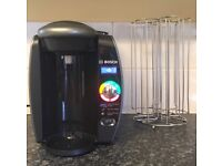 Tassimo coffee machine and drinks disc holder included