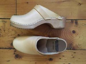 Nordic Fusion Natural Leather Clogs. Size 37 Thirroul Wollongong Area Preview