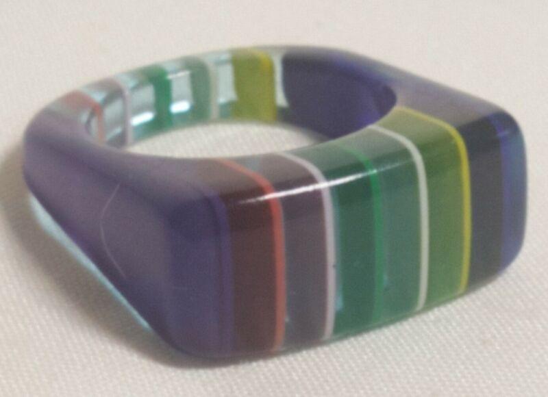 Vintage Beautiful Molded Lucite Rainbow Modernist Fashion Ring Sz-7.25 Beauty!!