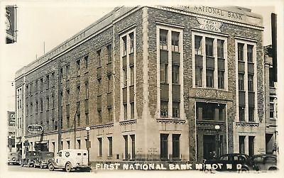 Minot Nd 1St National Bank Western Union Shoe Shining Barber Shop Pole 1930 Rppc