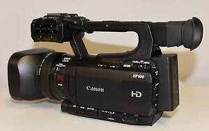 Canon XF100 Camcorder - Black - AS NEW (Perfect condition) Edens Landing Logan Area Preview