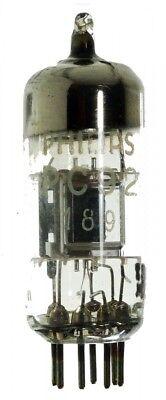 PC92 Triode. Eine Elektronenröhre von Philips Miniwatt. ID18124
