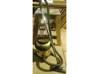 hoover vacuum cleaner 1000w in very good condition powerful
