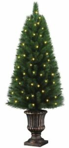 New Home Accents Holiday 4' Pre Lit Potted Porch Christmas Tree TYT-14048