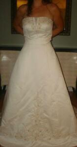New alfred angelo size 10 A line wedding dress