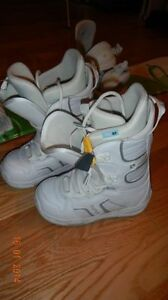 Snowboard boots - for teenager (girl)