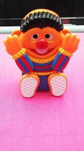 VINTAGE SESAME STREET ERNIE MUSIC BOX CRIB TOY