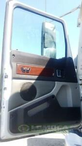 2018 Western Star 5700XE  power door in mint condition.