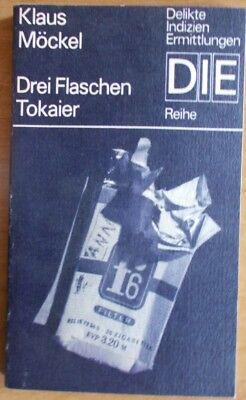 Drei Flaschen Tokaier von Klaus Möckel /   DIE Reihe