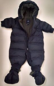 BabyGap down winter one piece bunting/snow suit SIZE 12-18M