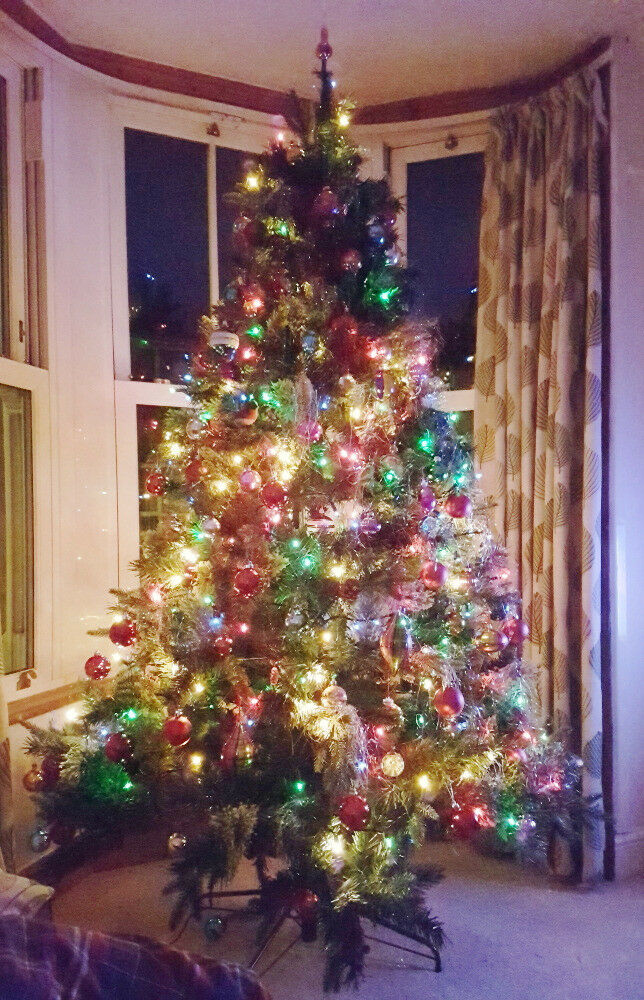 Used once. Christmas tree 7ft High 137cm Wide bushy Luxury ...