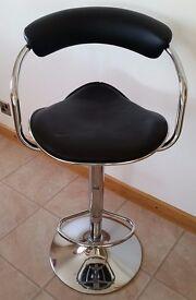 Breakfast bar stool