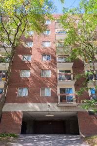 LARGE 1 BEDROOM NEAR TUNNEY'S PASTURE! SEPT/OCT 1ST