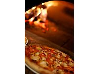 Outstanding pizza chef to cook authentic wood oven pizzas in Cotswolds