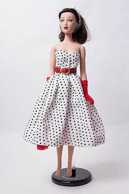 Madame Alexander Puppe Doll schwarze Haare Rockabilly Kleid