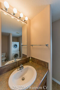20a-220 Swanson Cr 3 Bed 2.5 Bath Attached Garage Townhouse