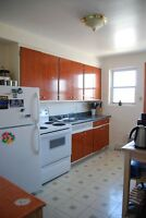 LACHINE WATERFRONT 4.5*LARGE KITCHEN*HARDWOOD*QUIET BUILDING