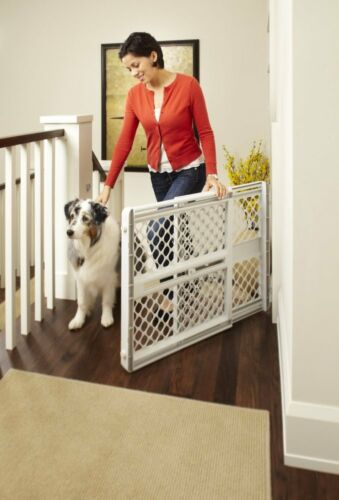 """Toddleroo by North States III Classic Baby and Child Safety Pet Gate, 26"""" Tall"""