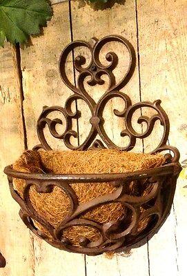 Blumenkasten im Landhausstil, schöne Metall Balkonkästen mit Kokoseinlage