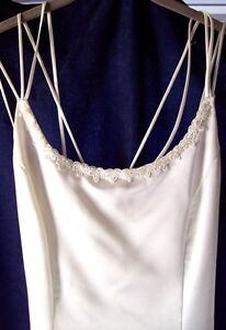 Classic and Elegant Wedding Dress with Shawl