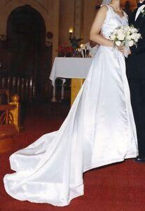 robe de mariée et voile robe de mariée très propre