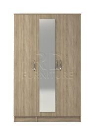 Classic 3 door mirrored wardrobe oak