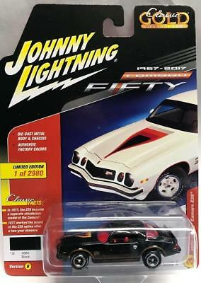 Johnny Lightning 1//64 1977 Chevrolet Camaro Z28 Diecast Model Black JLCP7055