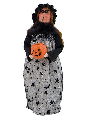 Byers Choice Halloween Witch w/Jack O'Lantern Pumpkin Lady MINT Store Stock 2017 (Halloween 2017 Stores)