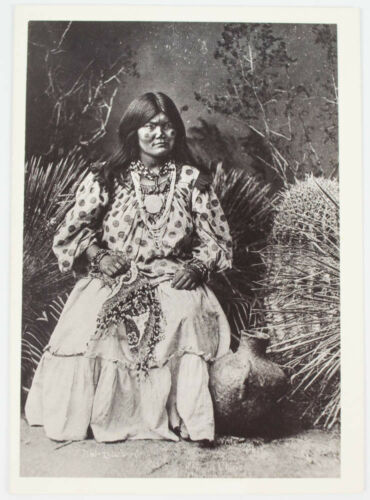 NATIVE AMERICAN INDIAN WOMAN WITH SPOTTED TOP AND CHEEKS 5X7 PHOTO B&W