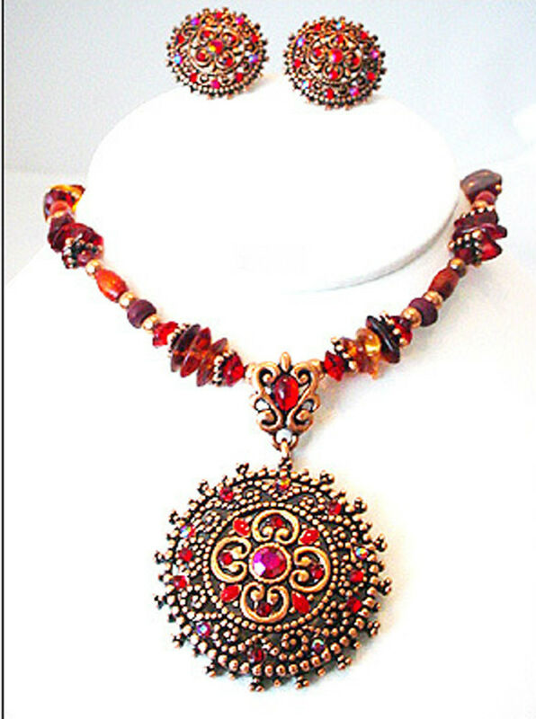 "AMORE 18"" RED MULTI CRYSTAL WOOD FILIGREE ROUND DISC ROSE TONE JEWELRY SET NEW"