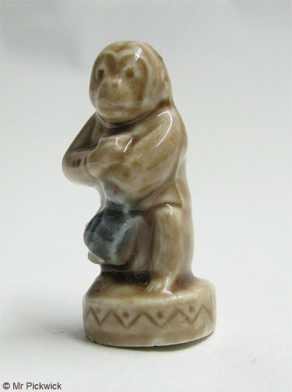 WADE WHIMSIES Organ Grinder Monkey CIRCUS ANIMALS PARTY CRACKER 1970s England