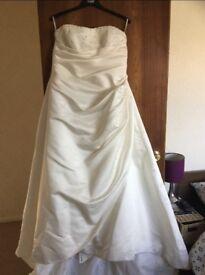 Ellis Bridal wedding dress