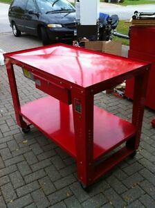 HANDY TEAR DOWN TABLE MODEL #HAN11505 Windsor Region Ontario image 2