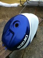 SUZUKI GSXR750 2000-2003 GAS TANK IN VERY GOOD CONDITION