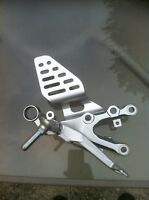 YAMAHA R6R 2009 RIDER AND PASSANGER FOOT PEGS COMPLETE
