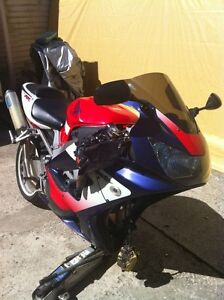 HONDA CBR929RR 01 WITH LOTS OF AFTERMARKET PARTS
