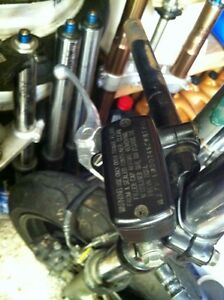 PARTING OUT 2 HONDA CBR600F4i TONS OF PARTS ARE AVAILABLE Windsor Region Ontario image 4