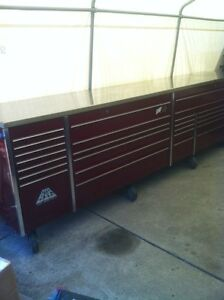 MR BIG PROFESSIONAL 5 BAY SNAP ON TOOL BOX WITH 8 CASTER WHEELS Windsor Region Ontario image 2