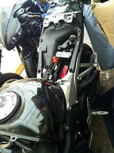 PARTING OUT A COMPLETE HONDA CBR600RR 08 Windsor Region Ontario image 8
