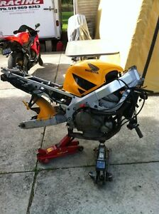 CBR600F4 HONDA 99-00 PARTING OUT