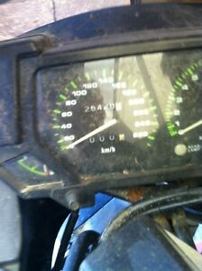 NINJA 750 KAWASAKI 87-88 WITH ONLY 23000 KMS PARTING IT OUT Windsor Region Ontario image 9