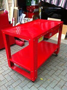 HANDY TEAR DOWN TABLE MODEL #HAN11505 Windsor Region Ontario image 4